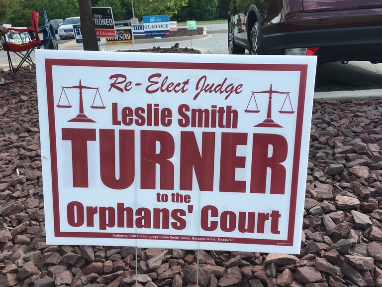 Leslie Smith Turner small campaign sign, 2018 elections